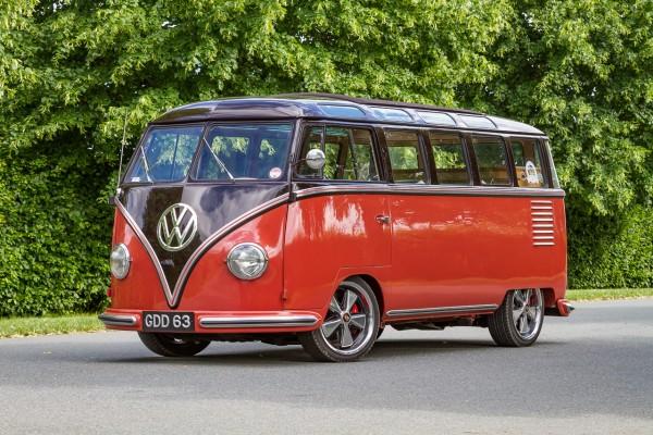 02-vw-t1-samba-bus-vaumax-volkswagen-1954-porsche-944-fuchsfelgen-camper