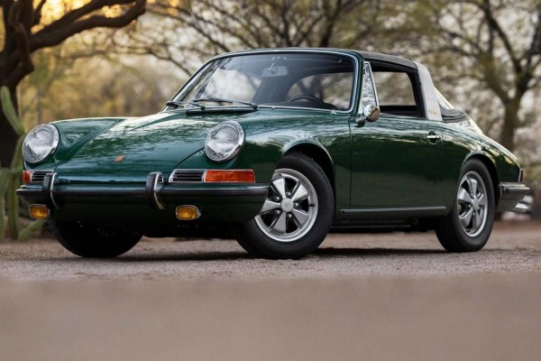 29-1967-Porsche-911S-Targa